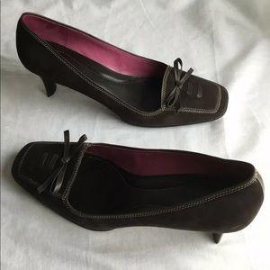 cole haan  women's brown sued pumps size 11B